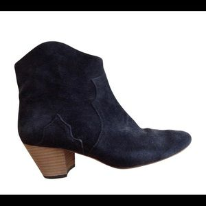 Isabel Marant Dicker Booties in Anthracite